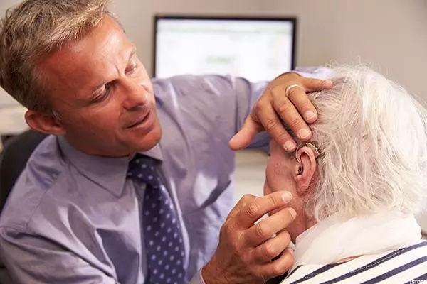 助听器配戴