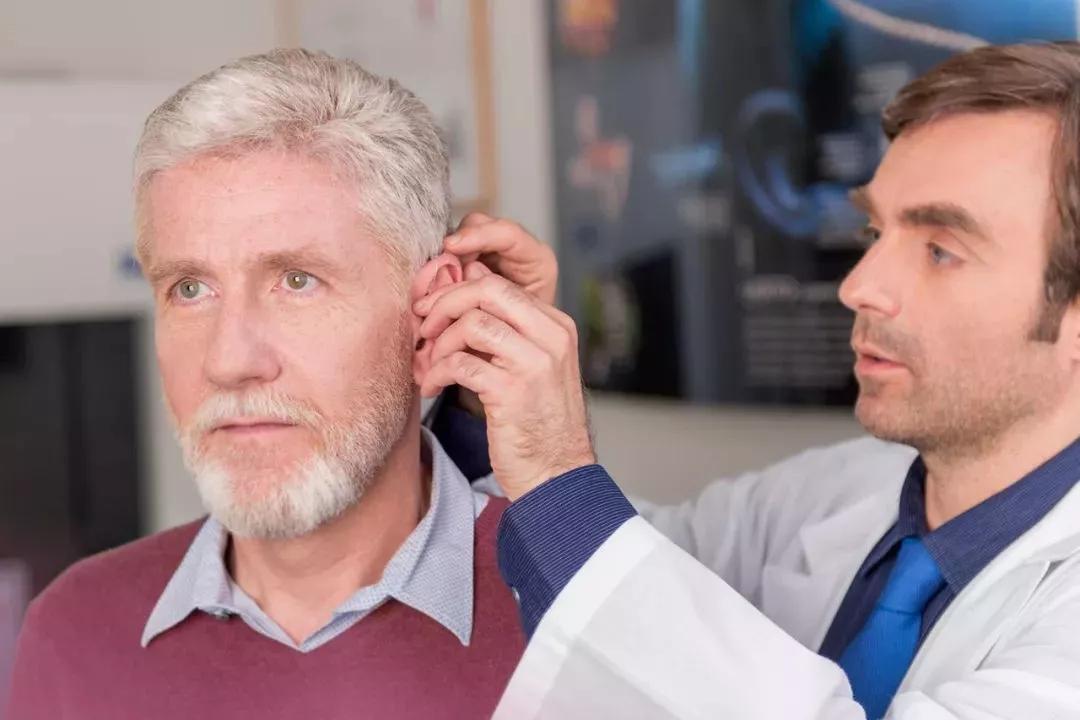 老人助听器